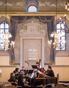 Wolfgang Grandjean mit dem Novalis-Ensemble.